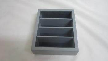 4 compartment small box no llid